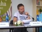 Kmotr Jaroslav Šmíd čte ukázku.JPG