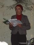 Jolča přednáší své básně s lidskou tváří:-) jsou moc krásné:-)
